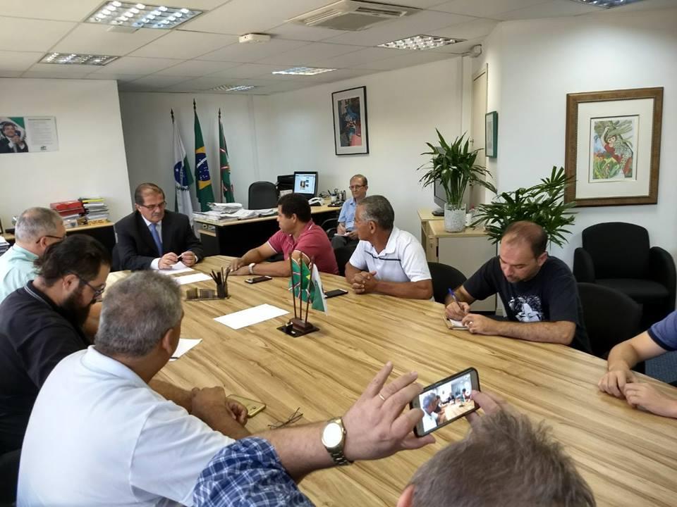 Diretores da Assuel participam de reunião com Secretário da SETI.