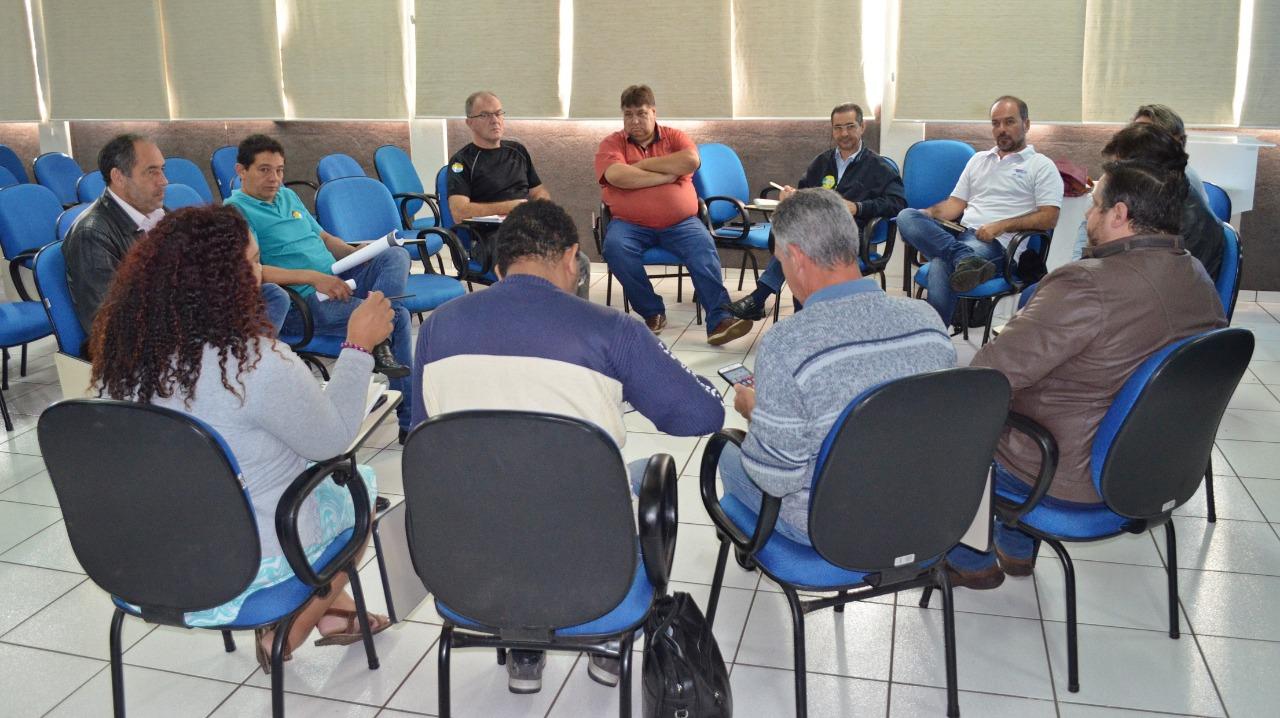 DIRETORES UNIFICADOS DAS UNIVERSIDADES ESTADUAIS DO PARANÁ SE REÚNEM PARA DISCUTIR DEMANDAS CONJUNTAS