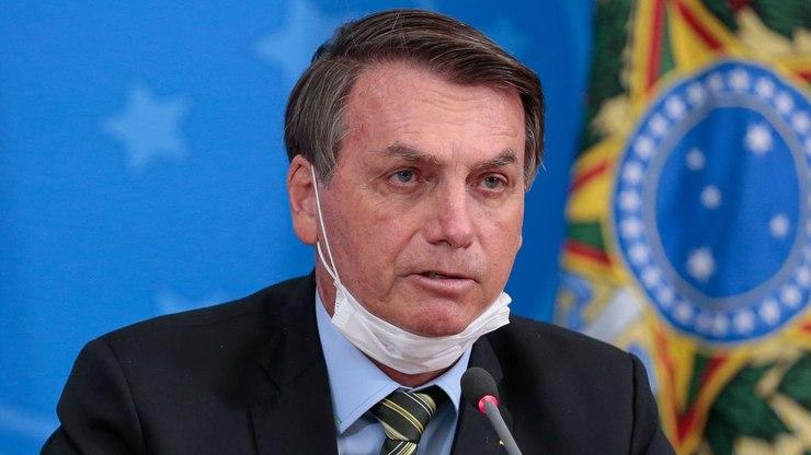 Folha de São Paulo no seu edorial chama Bolsonaro de estupido assassino e o ministro da saúde de fantoche.